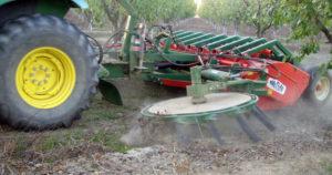 MANAGING MECHANIZED VINEYARD EQUIPMENT FOR EFFICIENCY   Lodi Growers